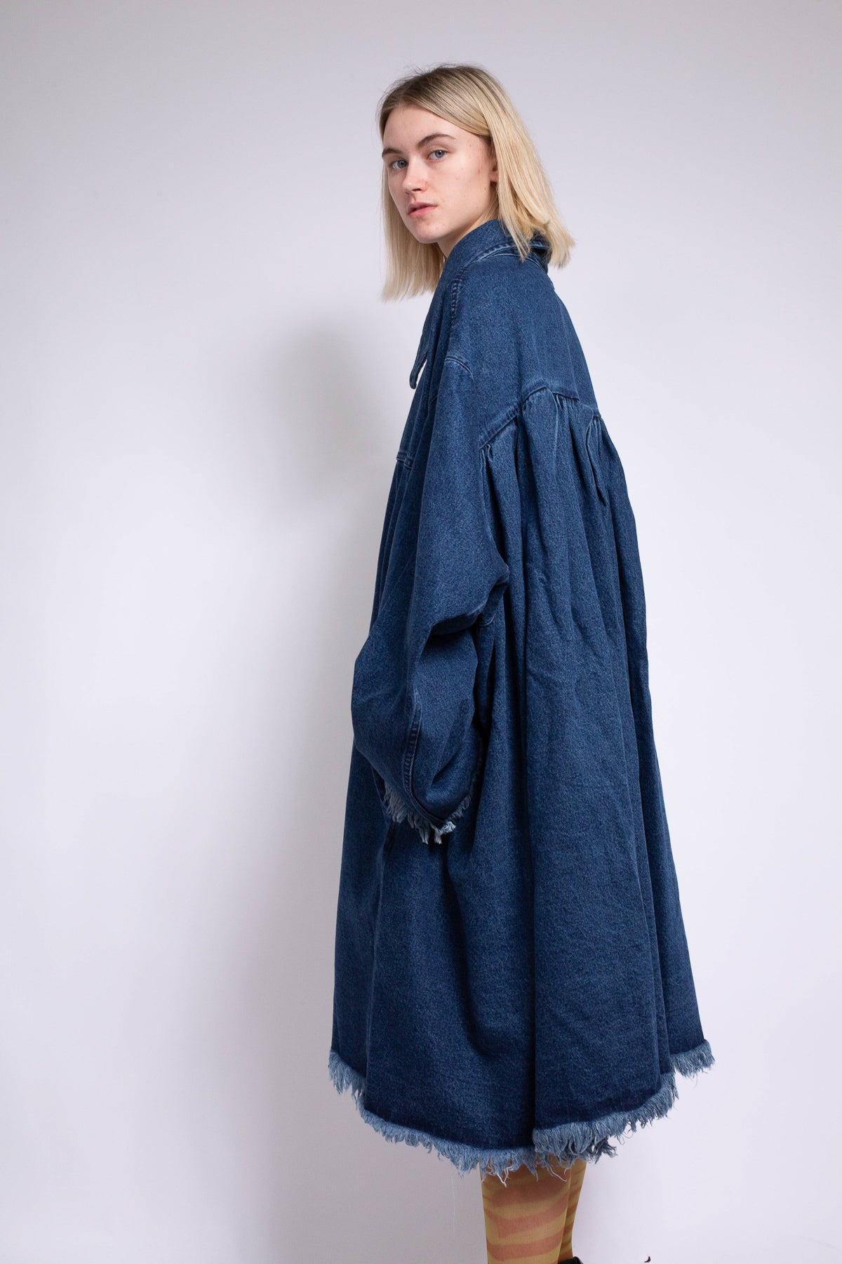 OVERSIZED COAT WITH PLEATED BACK IN BLUE DENIM - marques-almeida-dev