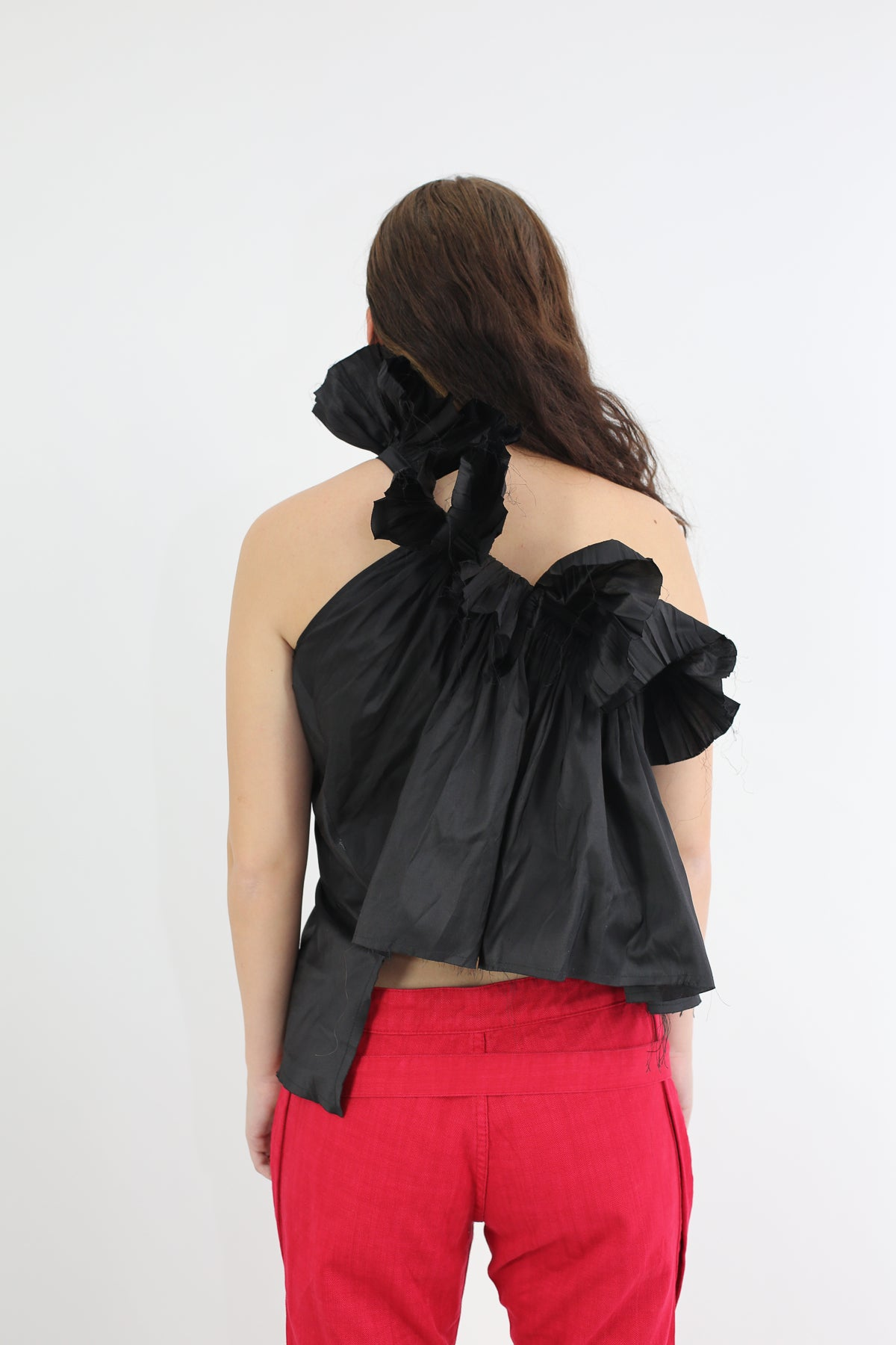 PRE-OWNED / SILK ONE SHOULDER BLACK FRILL TOP