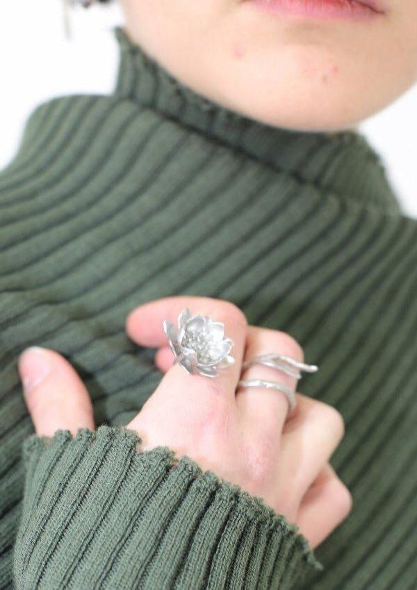SILVER FLOWER RING - marques-almeida-dev