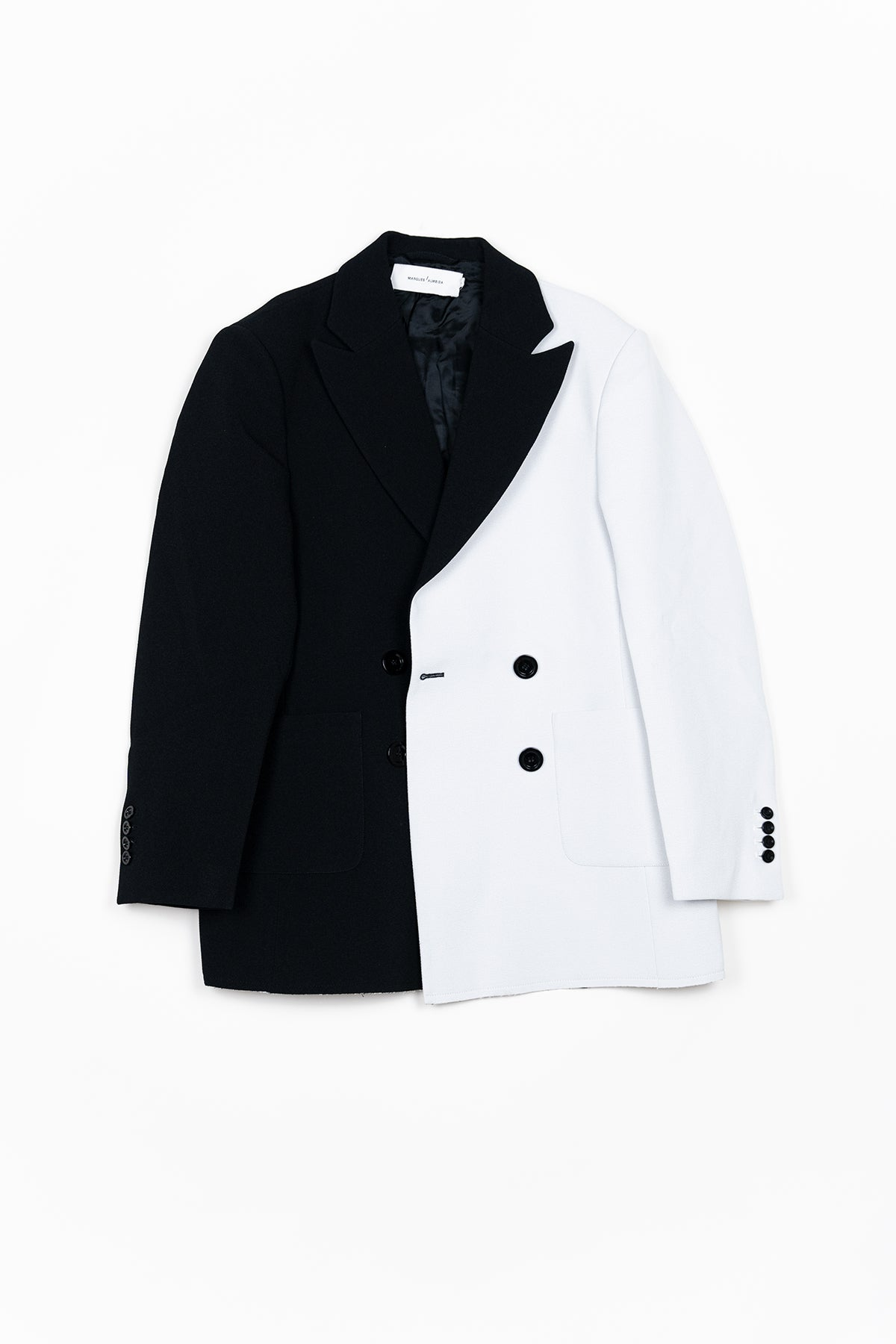 BLACK AND WHITE CREPE DOUBLE VENT BLAZER