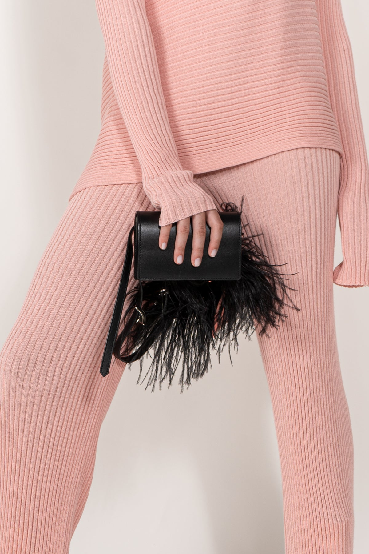 BLACK FEATHER BELT BAG marques almeida