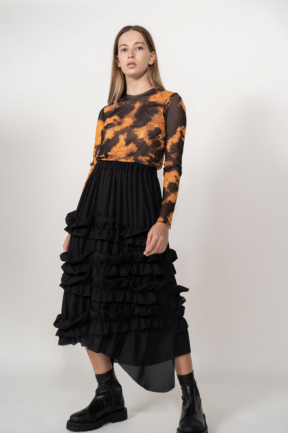 BLACK FRILLED SKIRT