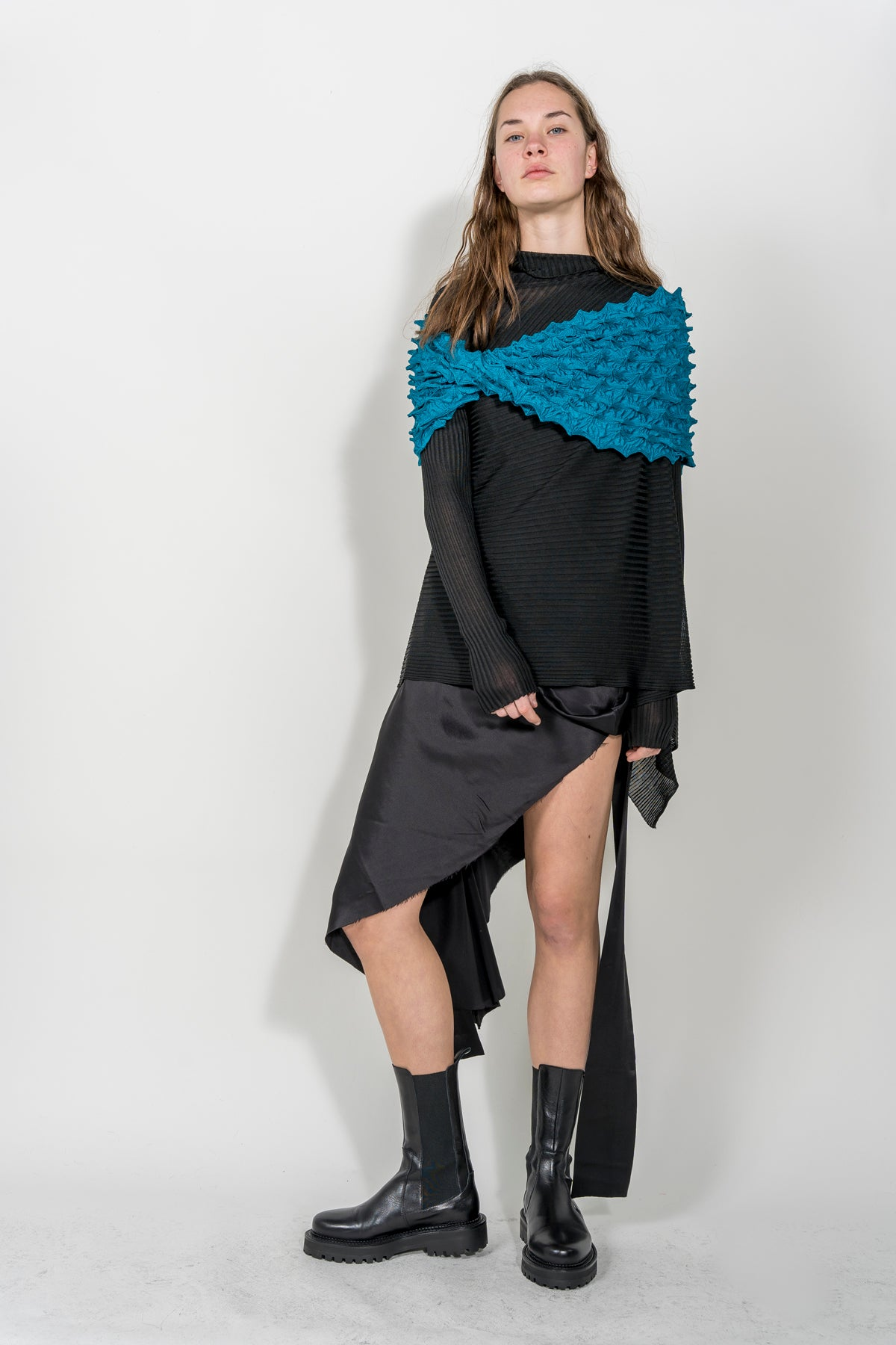 BLUE SPIKE SCARF MARQUES ALMEIDA