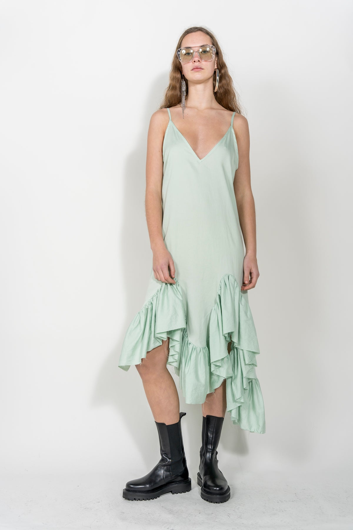STRAP FLOUNCE DRESS IN LIGHT GREEN marques-almeida