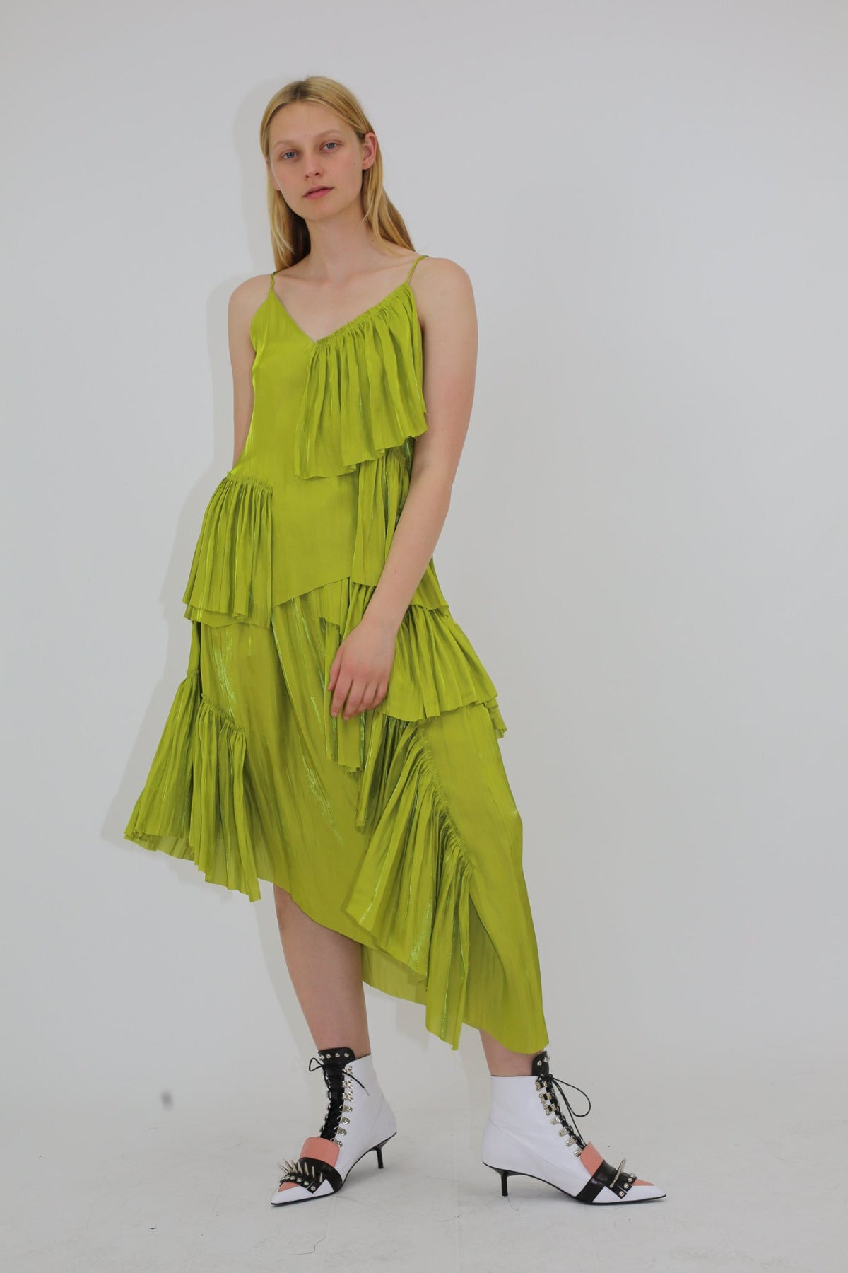 RUFFLE ASYMMETRIC SKIRT