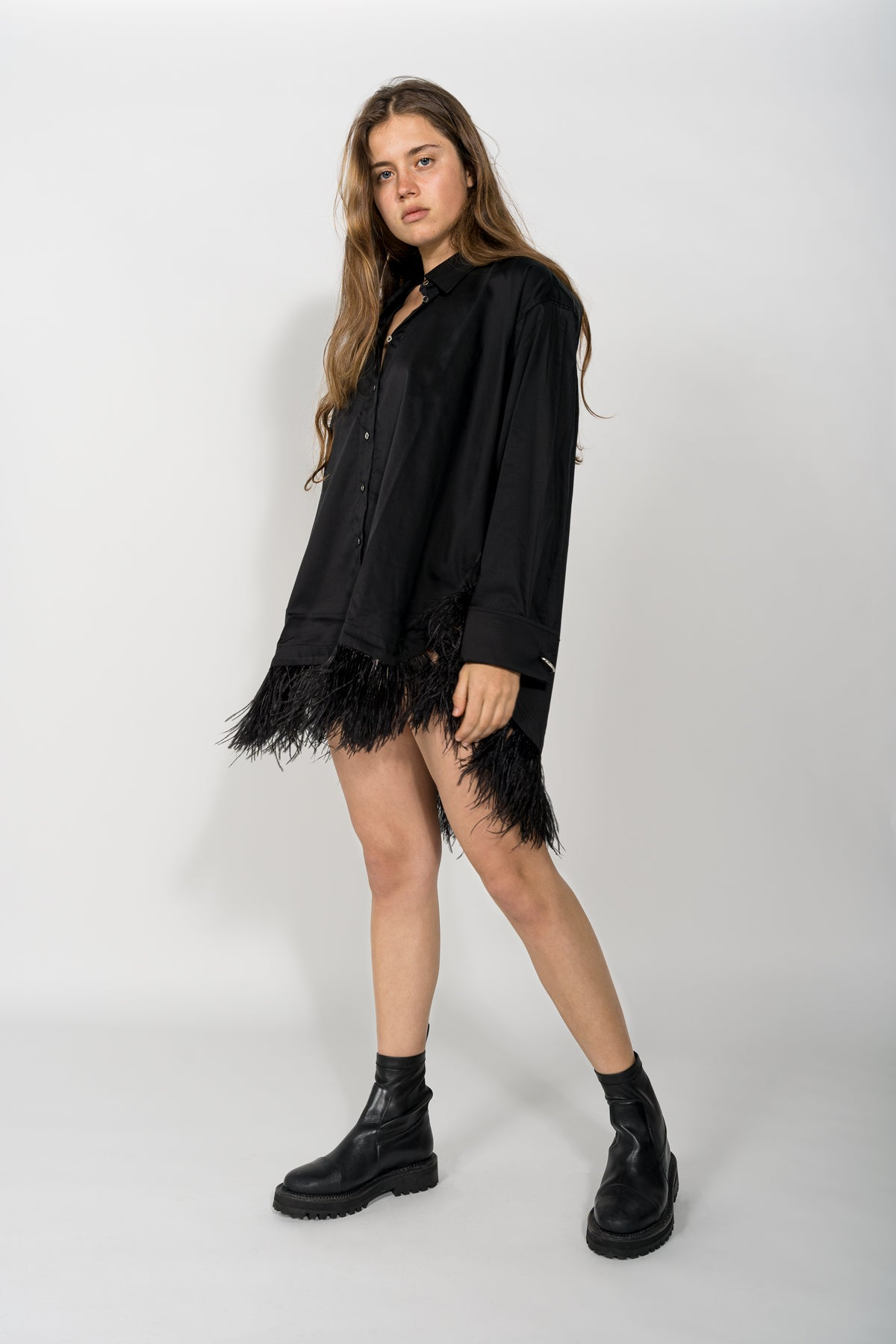 BLACK XXL SHIRT WITH FEATHERS