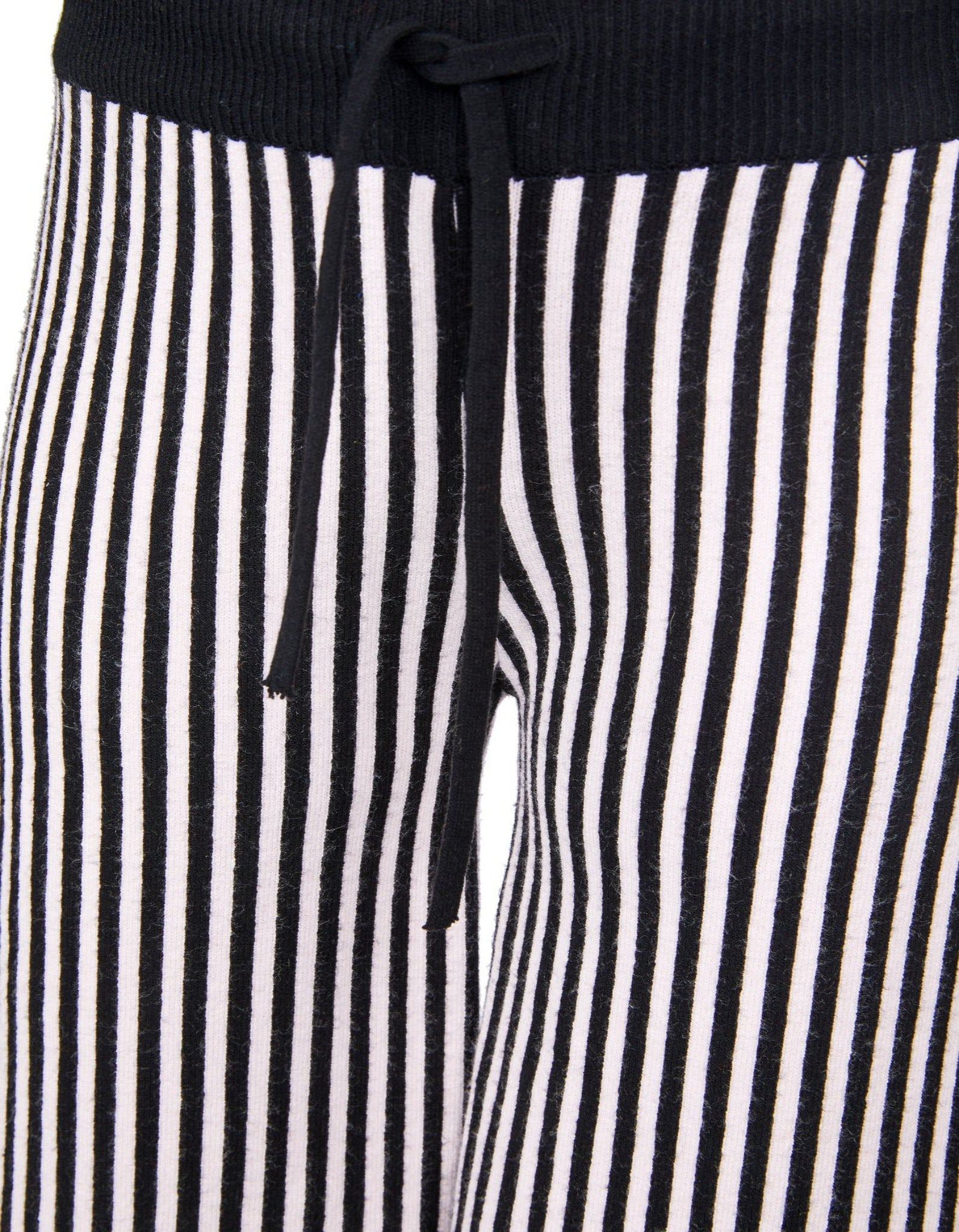 SHORT TROUSERS IN STRIPES