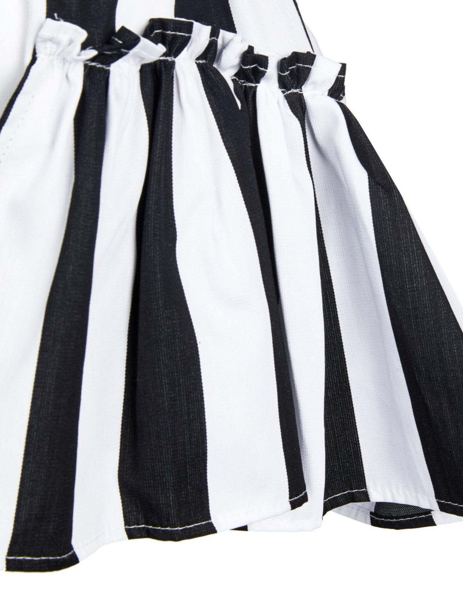 FRILL SHORTS IN BLACK AND WHITE