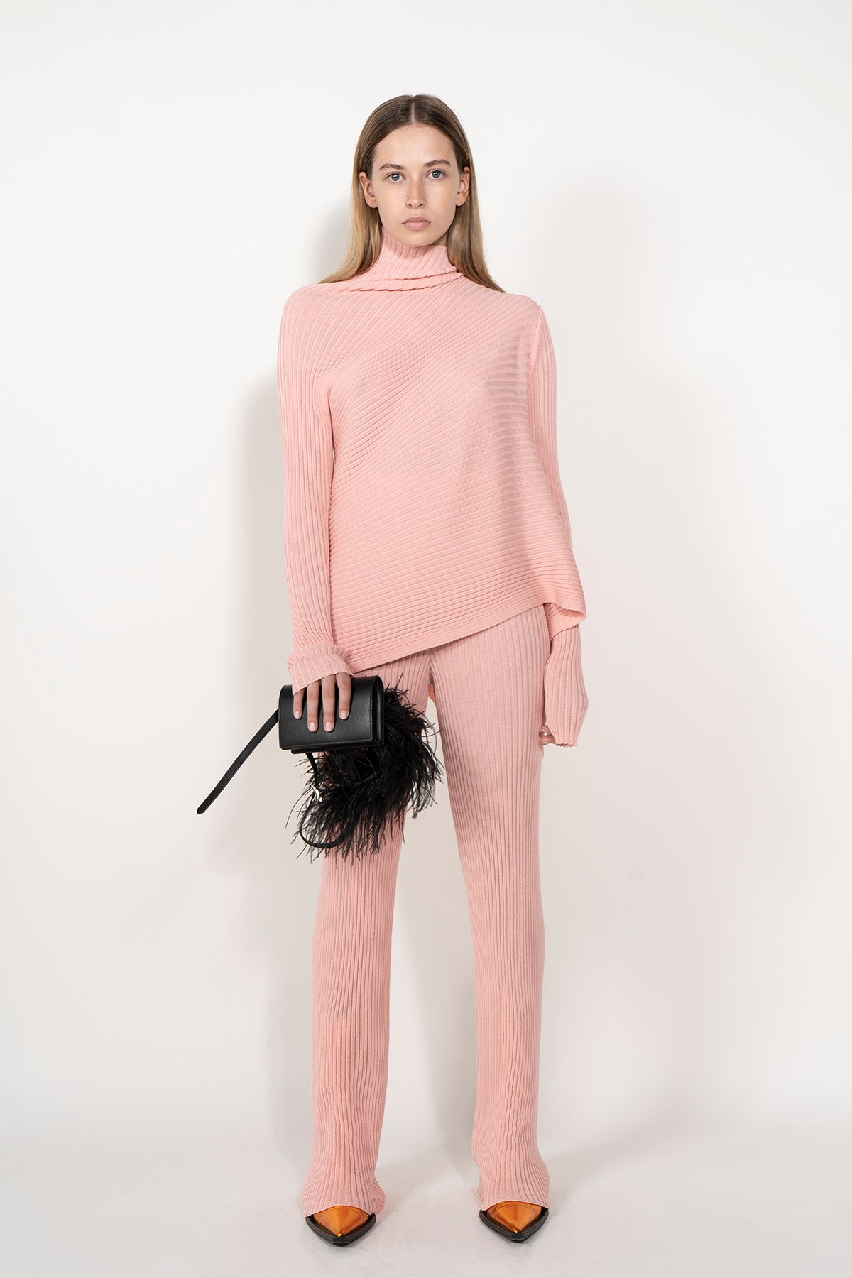 PINK KNITTED TROUSERS