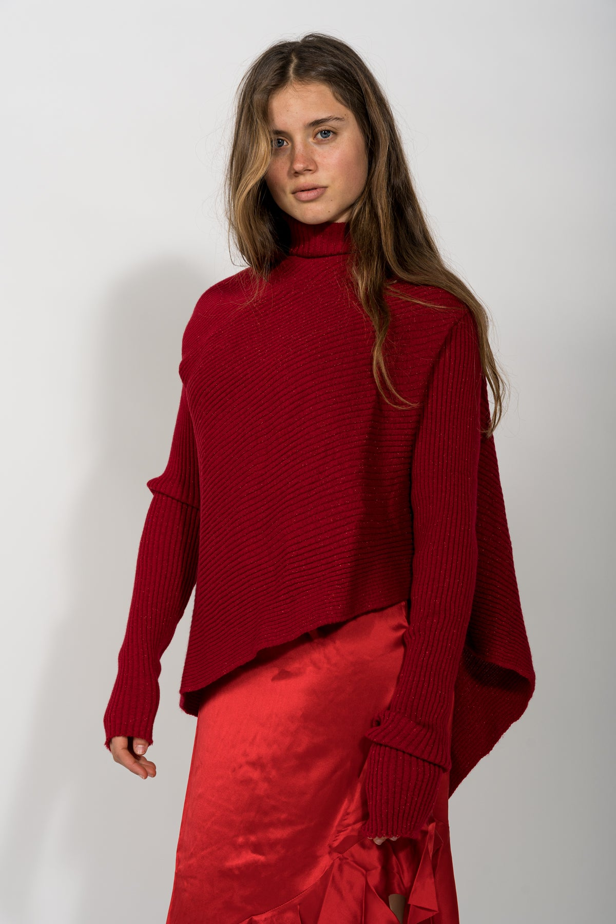 RED LUREX DRAPED JUMPER