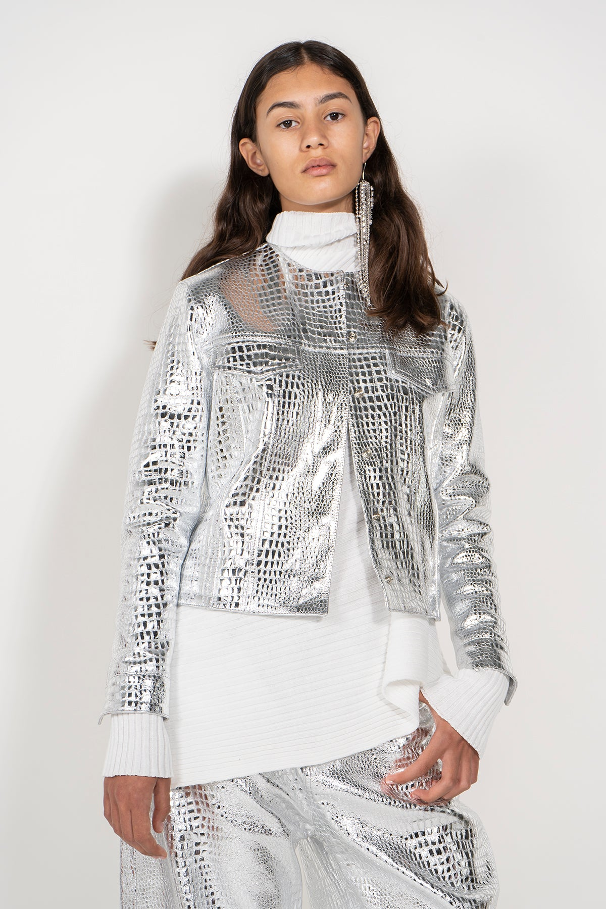 SILVER COLLARLESS LEATHER JACKET