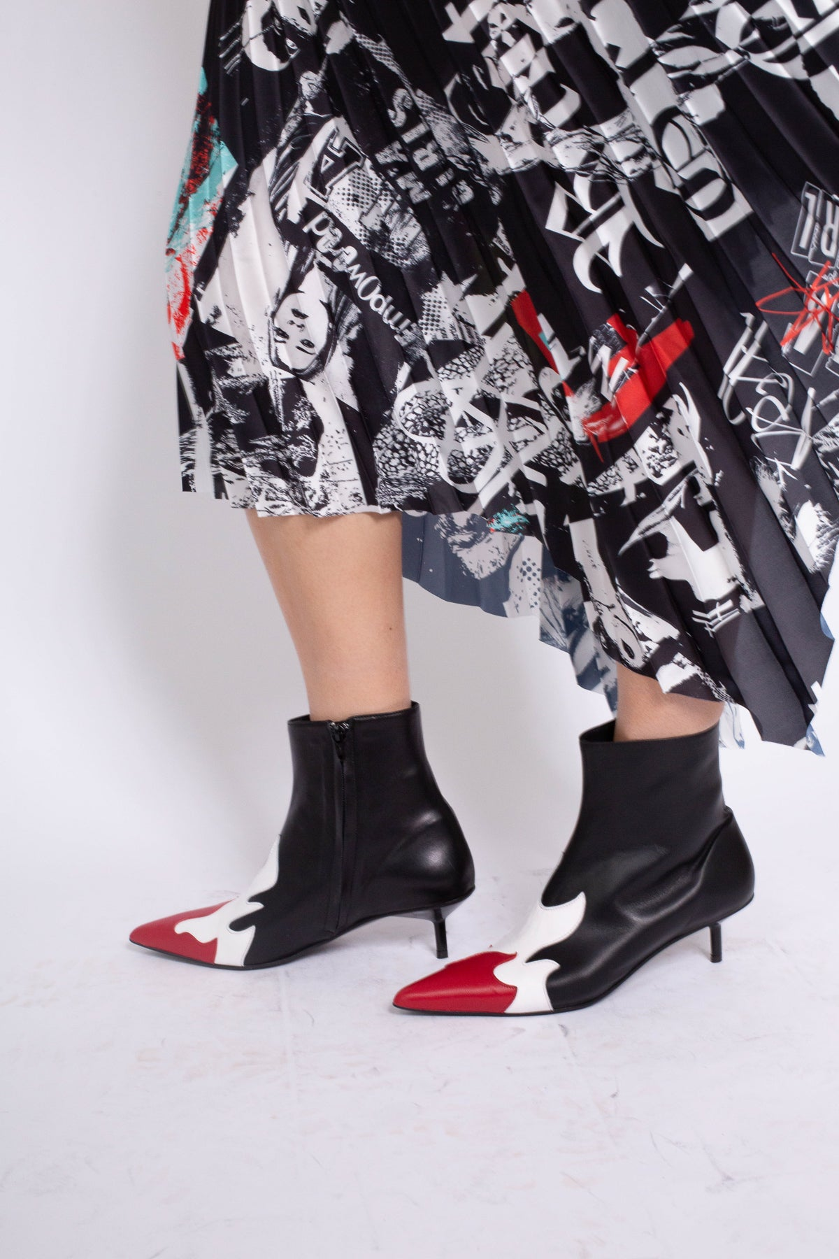 POINTY KITTEN HEEL FLAME BOOTS IN BLACK