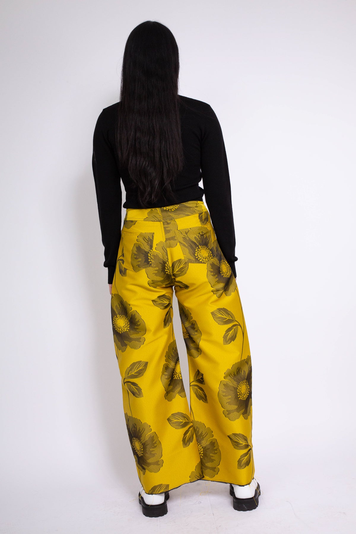 PRE-OWNED / BOYFRIEND STYLE TROUSERS IN YELLOW FLOWER BROCADE