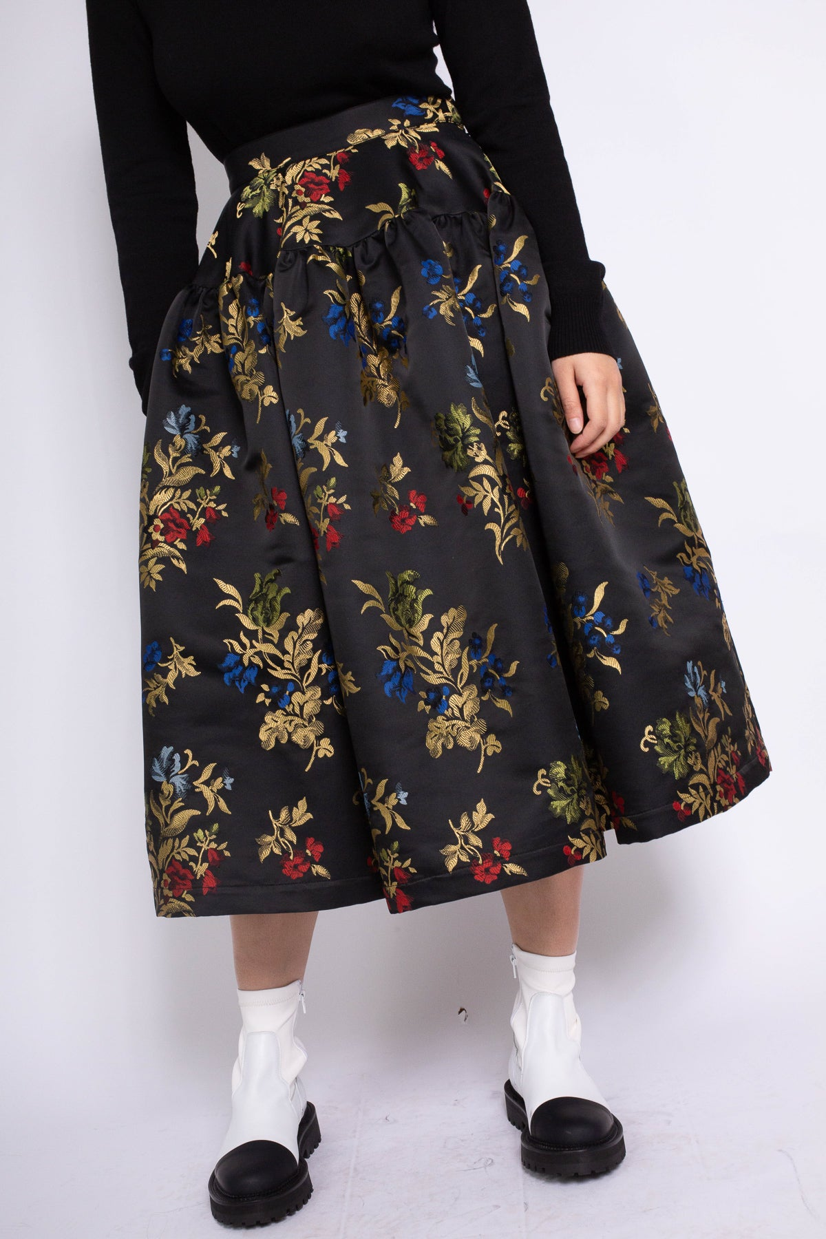 PRE-OWNED / GATHERED YOKE SKIRT IN BLACK FLORAL BROCADE