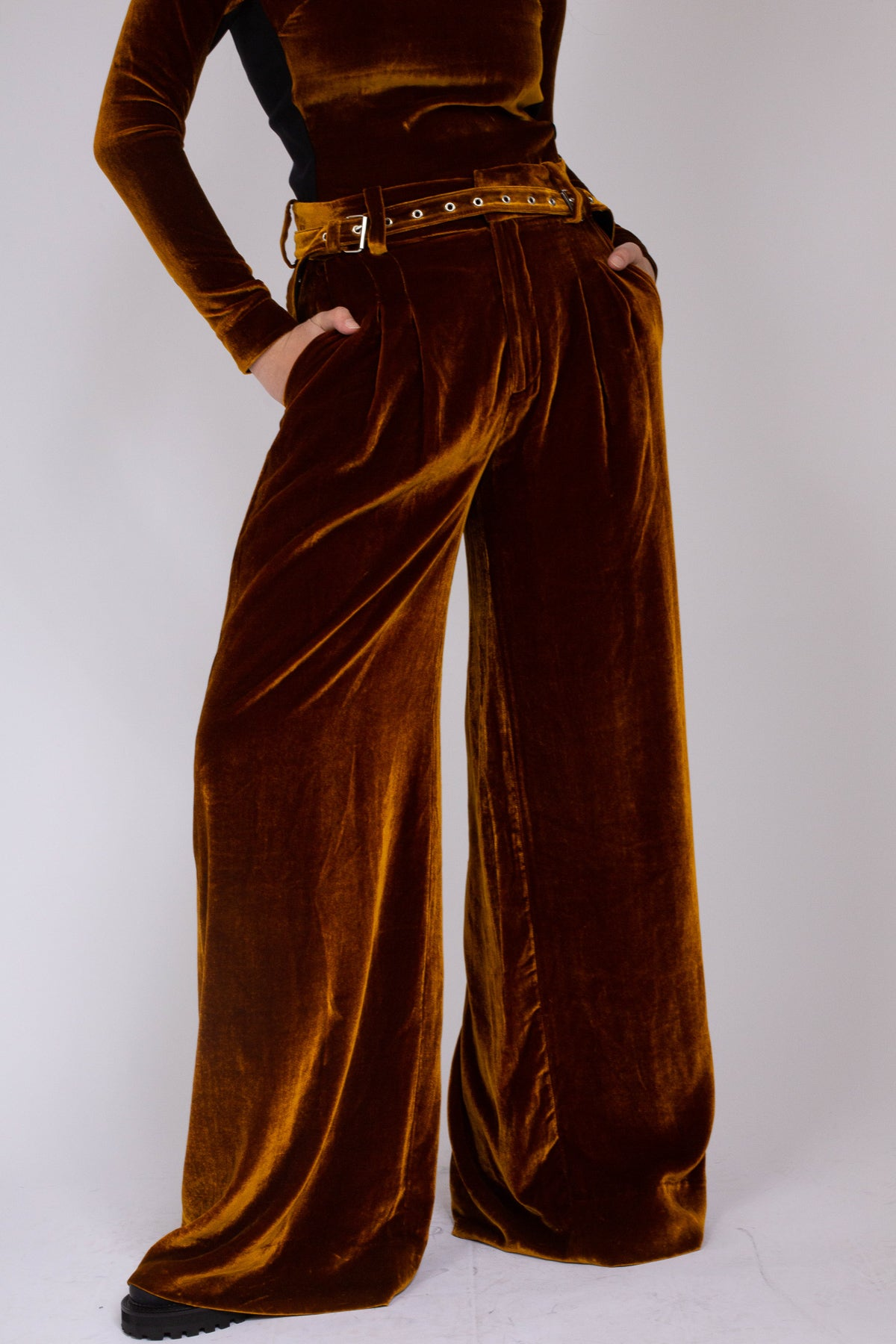 PRE-OWNED / VELVET DARK GOLD WIDE LEG TROUSERS