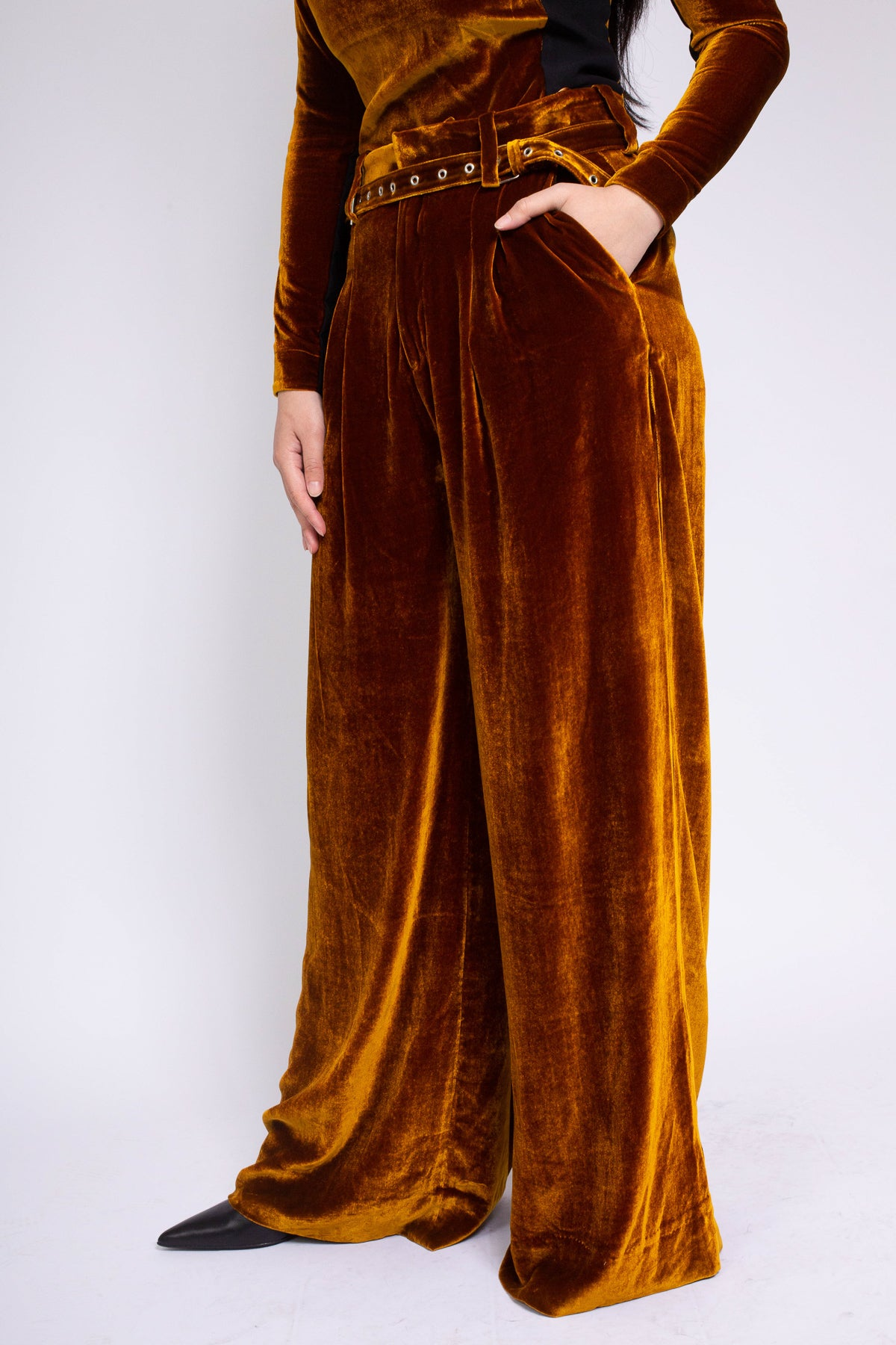 PRE-OWNED / VELVET DARK GOLD WIDE LEG TROUSERS - marques-almeida-dev