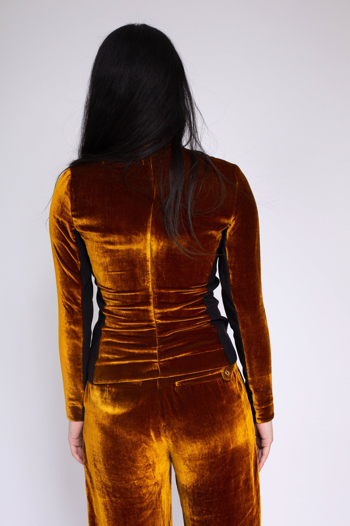 PRE-OWNED / VELVET DARK GOLD TURTLENECK TOP
