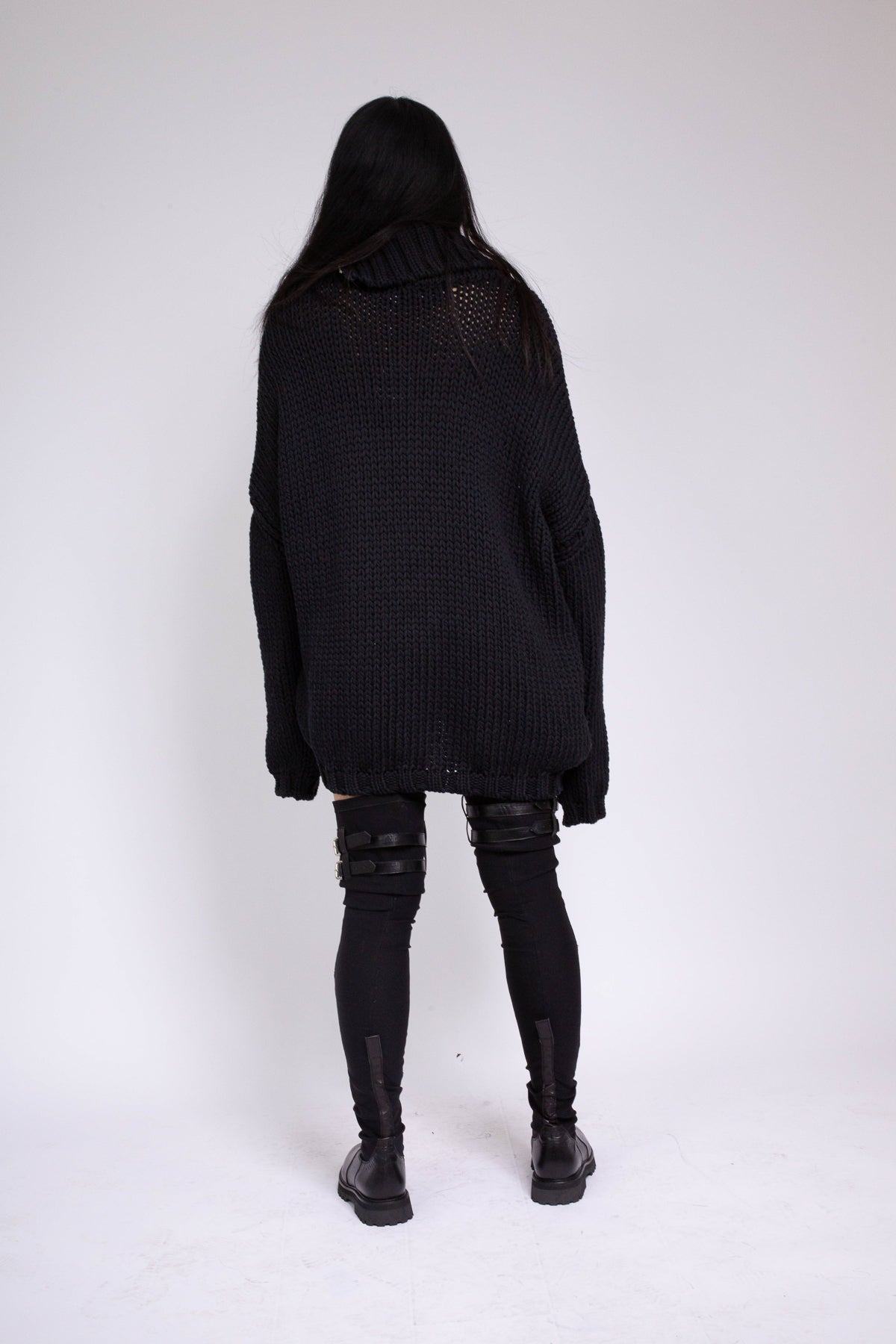 PRE-OWNED / BLACK CHUNKY KNIT HIGH NECK JUMPER