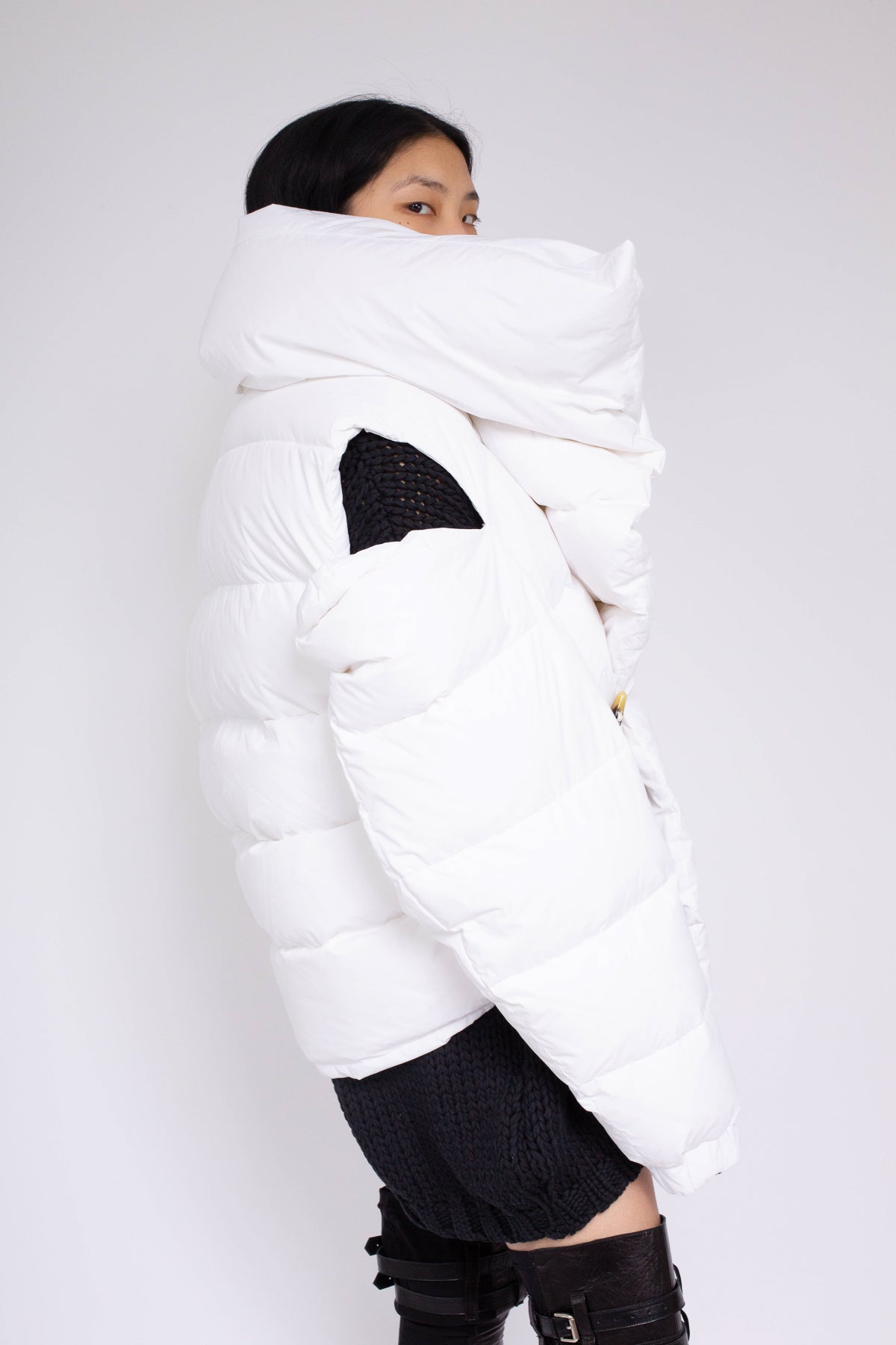 PRE-OWNED / WATERPROOF ASYMMETRIC WHITE PUFFA JACKET