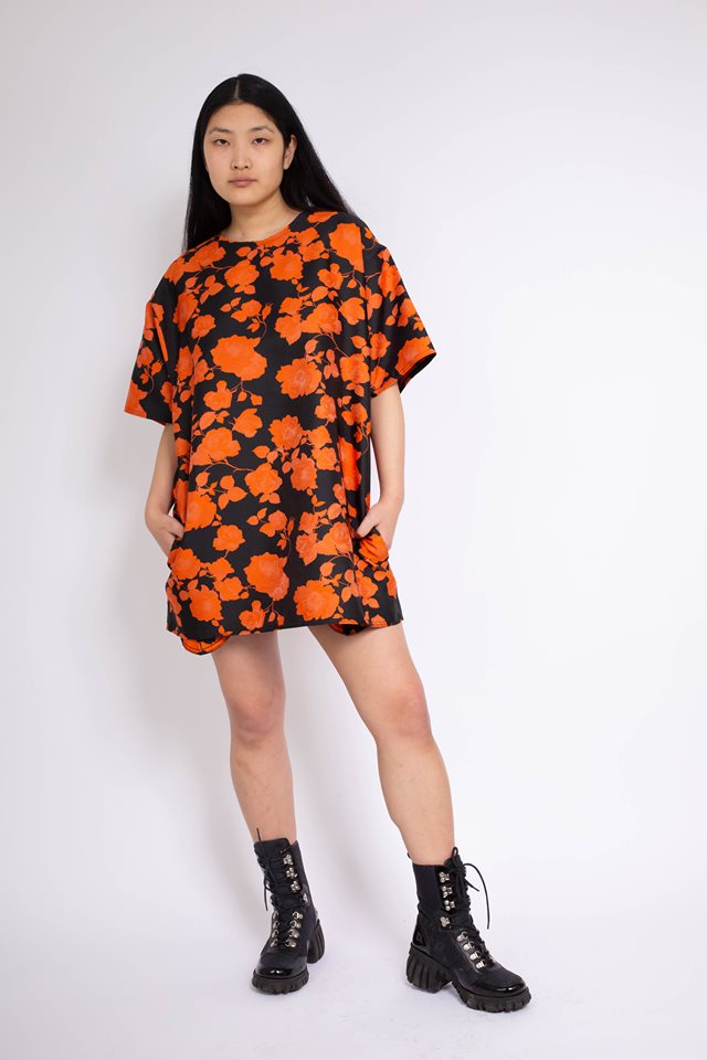 BROCADE OVERSIZED T-SHIRT DRESS IN BLACK & ORANGE