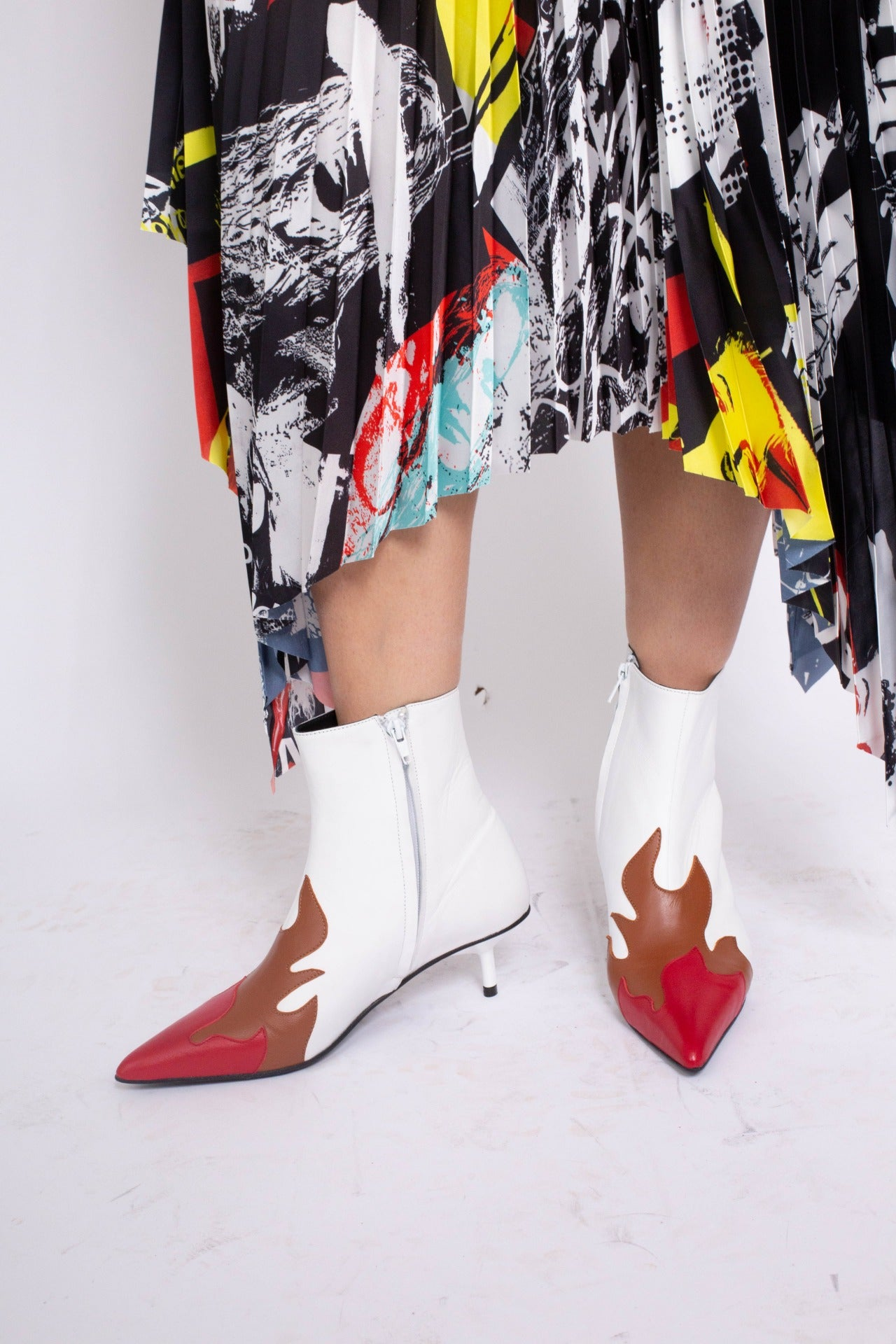 PRE-OWNED / POINTY KITTEN HEEL FLAME BOOTS IN WHITE