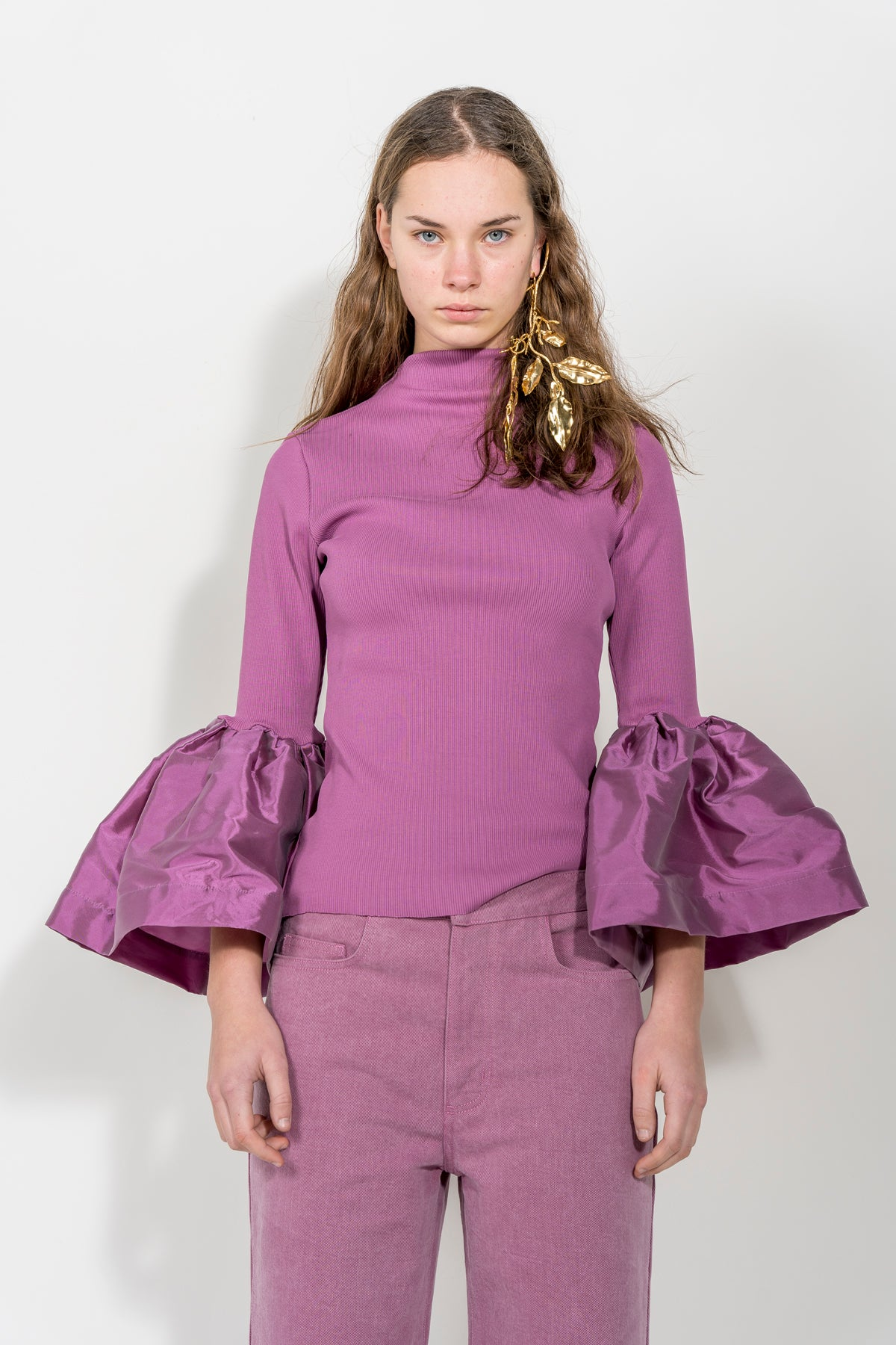 LILAC TURTLENECK PUFF SLEEVE TOP