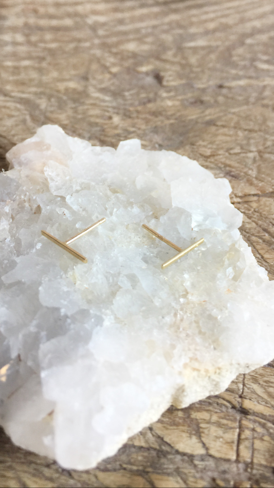 Kathleen Whitaker 14k Long Staple Stud