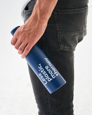 'Less plastic, more therapy' copper-insulated water bottle