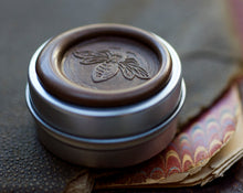 Load image into Gallery viewer, Aumbre Solid Perfume in Round Mega-Tin