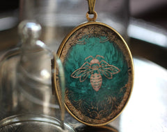 Solid Perfume Art Locket Necklace - Emerald Honey Bee