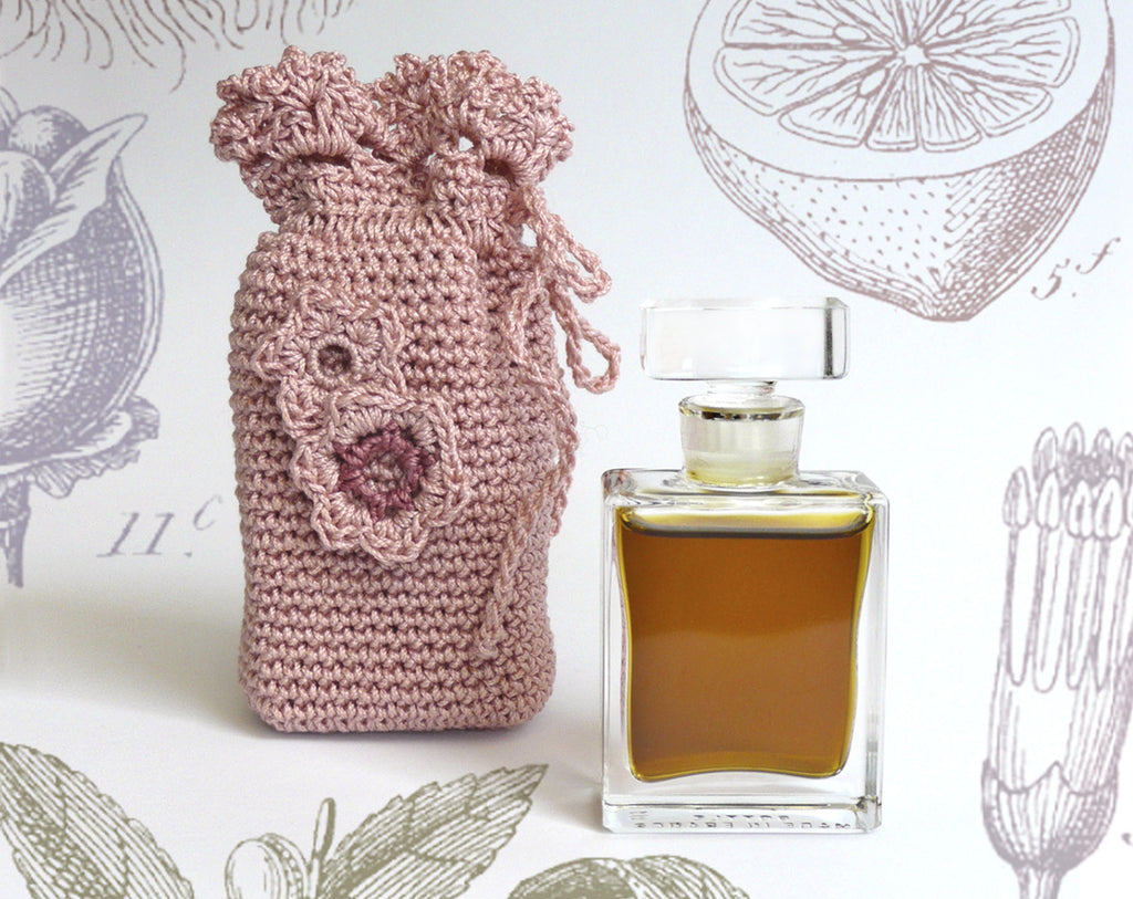Lyra Botanical Perfume Flacon with Pouch