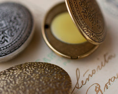 Vera Solid Natural Perfume Mini Compact