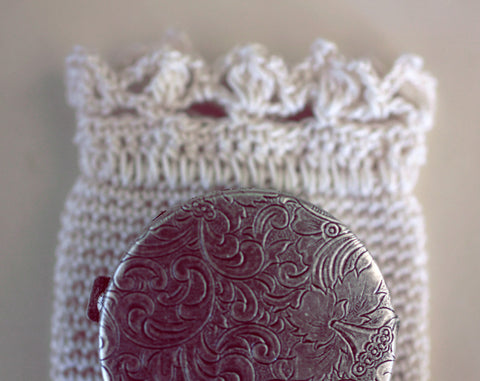 Page 47 Solid Natural Perfume in Round Compact with Crochet Pouch