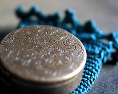 Sierra Solid Perfume Round Compact with Crochet Pouch