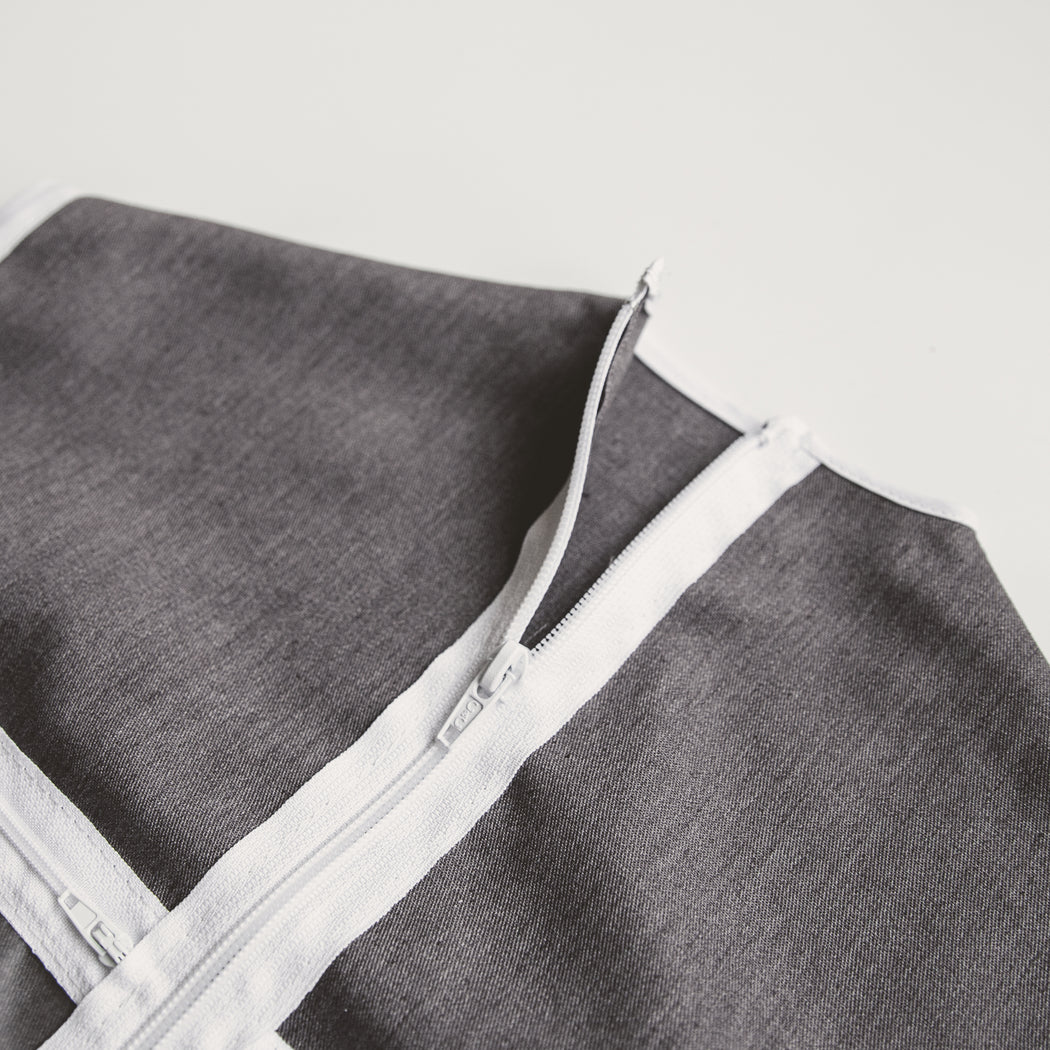 Full length zipper keeps The Hanger Valet secure on the hanger and around the outfit.