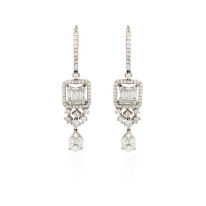 18K Gold Timeless Baguette Earrings With Diamond