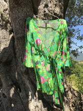 Load image into Gallery viewer, Kimono Jacket Incanto The Secret Garden Lawn Green