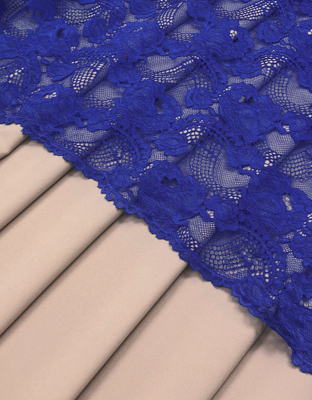 Single Tone Lace Royal Blue + Umo Crepe Nude (Waterfall Roses)