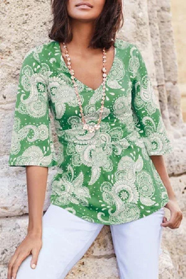 V-neck Floral Print Half Sleeves Casual T-shirts