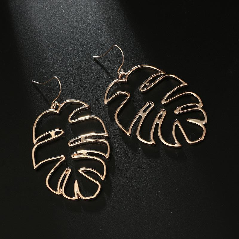 Hollow Banana Leaf Pattern Earrings