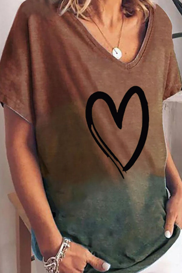 Gradient Heart-Shaped Printed Short Sleeve Shift T-Shirt