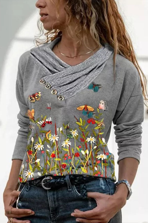 Literary Butterfly In The Floral Print Asymmetric Pile Collar With Buttoned T-shirt
