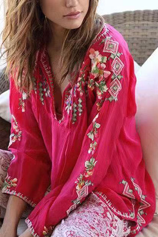 Sweety Floral Geometric Embroidery V-neck Blouse