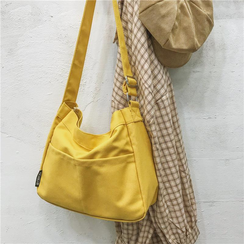 Large Capacity Simple Shoulder Bag