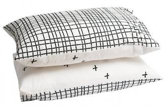 Grid Cross Pillowcase