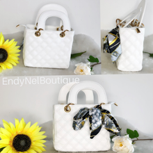 Load image into Gallery viewer, Tarma Hand Bag - Endynelboutique