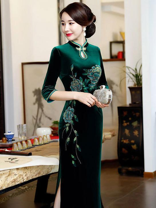 Elegant Floral Velvet Split-side Long Chengsam