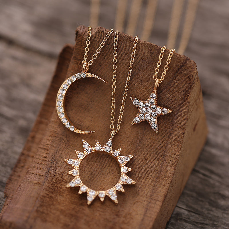 Creative hollow diamond pendant necklace