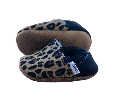 trendy baby mocc shop tan leopard baby moccasins