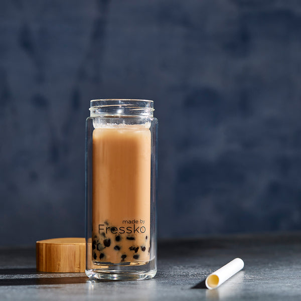 Milk bubble tea in glass TOUR Fressko flask